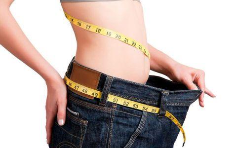 Снижение веса не только улучшит общее состояние, но и снизит показатели АД.