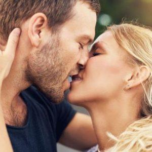 Возможно ли заразиться гепатитом В через поцелуй?