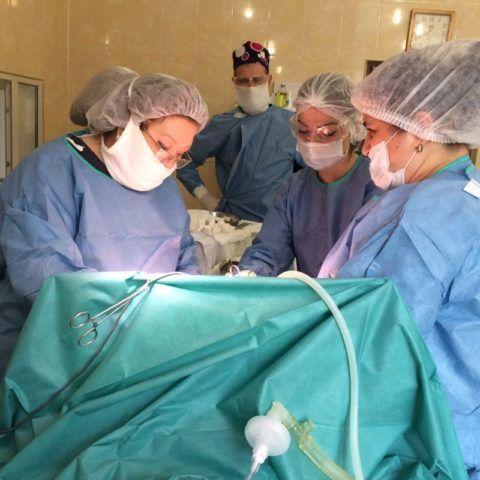 Операция по удалению аневризмы сердца может повлечь осложнения.