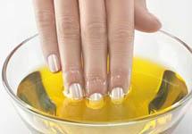 Укрепление ногтей оливковым маслом