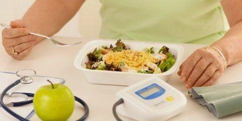 Правильно подобранный рацион питания останавливает прогрессирование болезни.