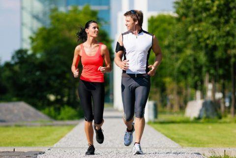 Регулярные спортивные занятия укрепляют сердце и нормализуют его работу.