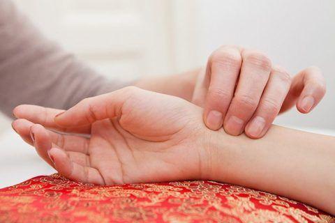 Этот симптом сигналит о развитии аритмии в желудочках сердца