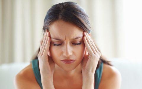 Головная боль всегда сопровождает повышение артериального давления.