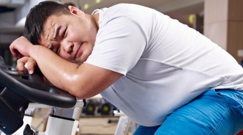 Главное отличие тупой сердечной боли – она не меняется при изменениях положения тела