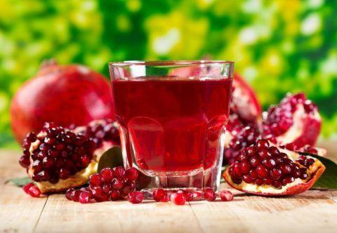 Ежедневное потребление гранатового сока восполнит в организме запас витаминов и минералов.