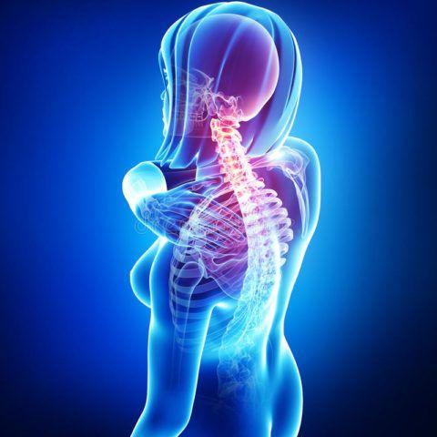 Аневризма грудного отдела аорты характеризуется болью в спине.