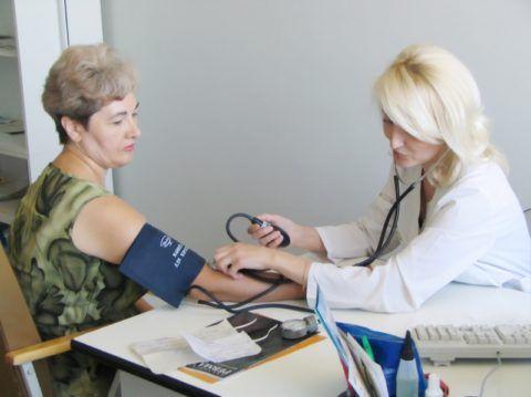 Регулярность замеров артериального давления указывает врач, исходя из состояния пациента и поставленного диагноза.
