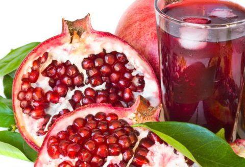 Ягоды граната и сок из них очень полезны для сердечно-сосудистой системы